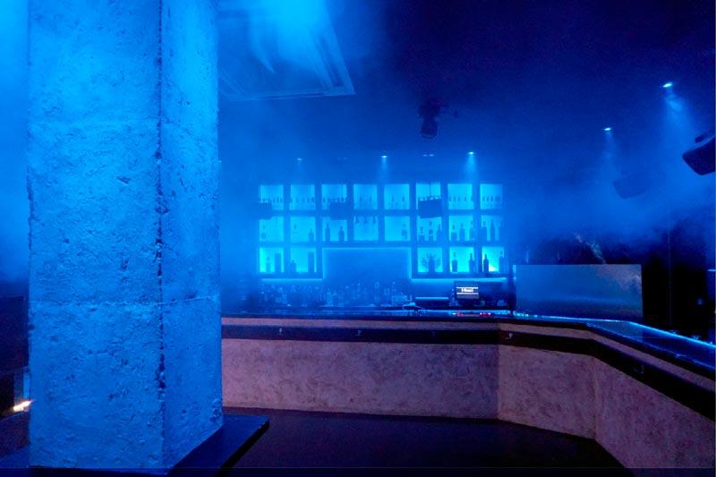pilar local quve luces azules